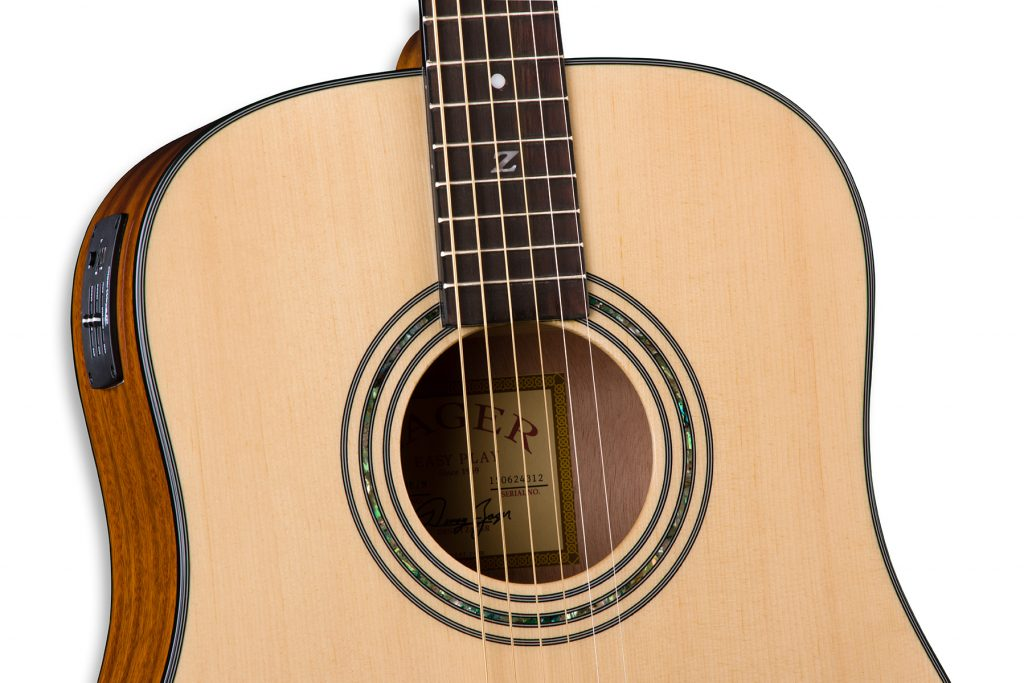 ZAD20E Solid Spruce/Mahogany Acoustic Electric Natural